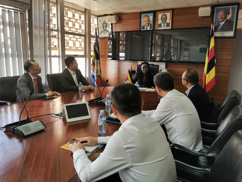 乌干达财政部国务部长Anite Evelyn阁下会见孙坚董事长,杨震董事